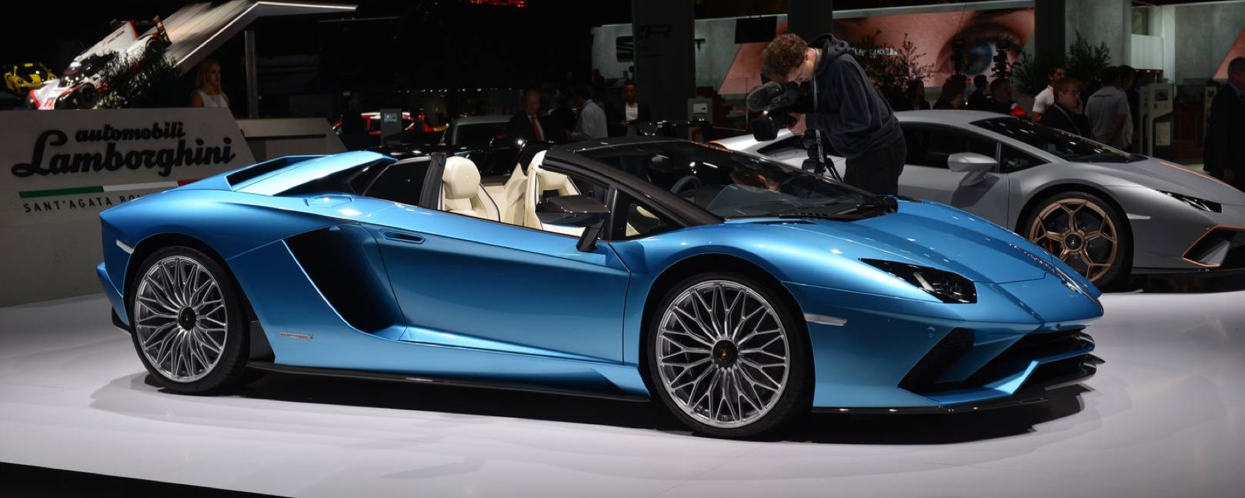 The New Lamborghini Aventador S Roadster Indigo Auto